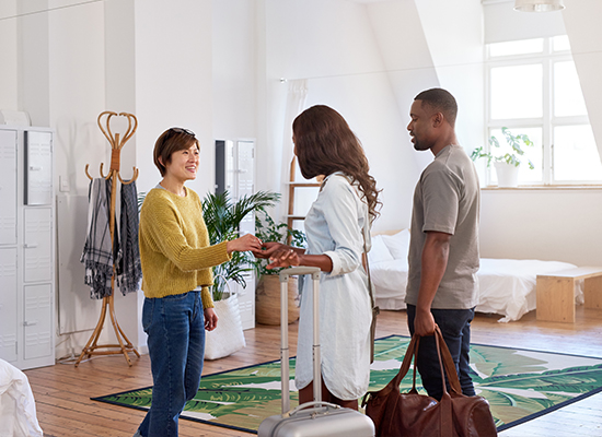 5 Ways to Attract Good Employees in the Hospitality Industry